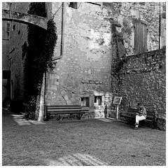 Alone (Pascal.M (bong.13)) Tags: people seul noiretblanc blackandwhite saint remy de provence nikon d3200 france pierre ancien bouchesdurhone