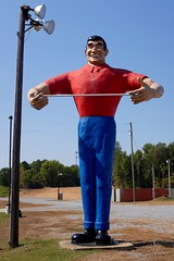 Welcome to Mississippi (pburka) Tags: roadside man statue sculpture advertising giant route61