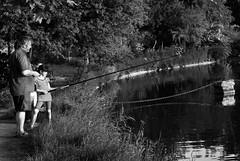Partie de pêche (Korz 19) Tags: paris france children fishing nikon enfants d200 boisdevincennes pêche