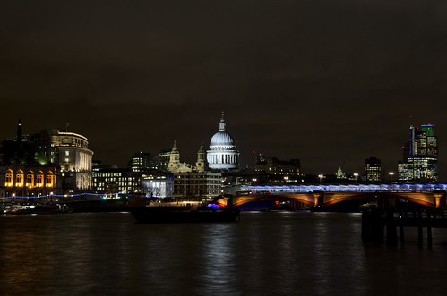 London at night ©  Still ePsiLoN
