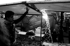 Utrecht, december 22nd, 2012. (Pim Geerts) Tags: street winter water rain weather umbrella utrecht eating web bad markt regen eten pis paraplu photograhy oudegracht manneken weer patat slecht koopman straatfotografie marktkraam