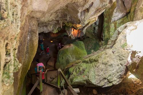 Descente dans les grottes de Capricorn Cave