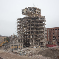 Ravenswood Hospital Demolition (metroblossom) Tags: chicago illinois northside toolate e1 tobedemolished ravenswoodhospital 1931wwilsonave img980678