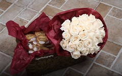 !* (Fajer Alajmi) Tags: flowers roses white cookies engagement basket maroon marriage ring