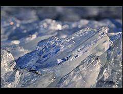 Kunst gevormd door het kruiend ijs (Pieter ( PPoot )) Tags: winter blauw ijs 2013 kruiendijs