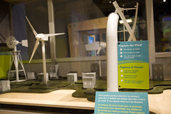 Renewable Energy/Energia Renovable (Oregon Museum of Science and Industry OMSI) Tags: exhibit pge omsi bilingual windpower renewableenergy greenpower alternatepower energiarenovable giagoodrich