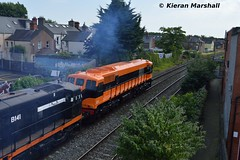 071 passes Claude Road, 19/7/16 (hurricanemk1c) Tags: dublin irish train gm rail railway trains railways irishrail generalmotors drumcondra supertrain 2016 emd 071 iarnrd ireann iarnrdireann retrotrain clauderoad 1150inchicoreconnolly rpsidieseltransfer