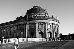 Bode Museum - Berlin - monochrome (okrakaro) Tags: bodemuseum berlin monochrome schwarzweis blackandwhite architecture cityscape