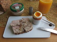 Bio-Heidefrhstck auf Vollkornbrot zum Frhstcksei (multipel_bleiben) Tags: essen vollkorn frhstck bio