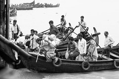 Arrival (haqiqimeraat) Tags: bangladesh chittagong boat passengers travel monochrome blackwhite nikon 50mmf18 prime le motion
