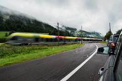 Spettro di Attraversamento (Roberto -) Tags: train treno passaggio livello grade level crossing railway rail binari montagna mountain trentino alto adige sudtirol italia austria confine italy border