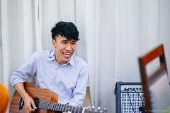 DSC08072.jpg (iheresss) Tags: sonya7r bangkok carlzeiss planart 85mmf14 portrait manuallens guitar musician acoustic