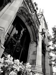 St. Ita's Catholic Cathedral (williamw60640) Tags: stitacatholicchurch chicago edgewaterbeach church frenchgothic beautiful christ religiousicon cathedral statue cross indianalimestone limestone entrance