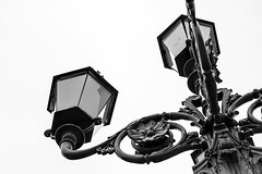 Pas de deux (jadzia0410) Tags: castle dance garden glass iron lamp light norway oslo