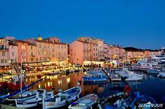 Le port de Saint Tropez de nuit (La Pom ) Tags: provence var cote azur mer mditrrane port saint tropez bateaux yatch pche nuit pause longue night long exposure harbor
