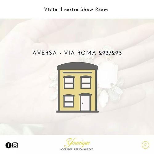 Visita il nostro Show room! Aversa - via Roma 293/295 - Ce 08119939341 #contact #younique #accessori #personalizzati #madeinitaly #handmade #collane #bracciali #showroom #aversa #personalize #jewelsbag #yellow #store #negozio #shopping #shopperbag #instag