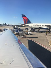 (Vernon Brad Bell) Tags: deltaairlines airplane atl aircraft airport delta