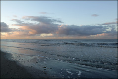sunset coloring the sea 3 (Elly Snel) Tags: ameland island nl zonsondergang sunset wolken clouds sea zee golven waves blauw blue strand beach