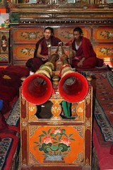 Inside Samye (10b travelling) Tags: china two music asian temple asia buddhist pair pipe monk buddhism tibet monastery dos horn himalaya samye zwei himalayas templo himalayan tempel 2010 tsetang carstentenbrink iptcbasic