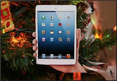 DIY iPad Mini Christmas Ornament (Photo Giddy) Tags: art apple design diy mac crafts stevejobs iphone ipad timcook ipadmini