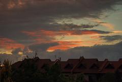Chmury o zmierzchu 2 (Hejma (+/- 4800 faves and 1,5milion views)) Tags: sunset red cloud storm colour clouds landscape daylight december estate autum poland polska jesie wiato kolor czerwony krajobraz grudzie osiedle zmierzch czarnechmury obok okietkowo