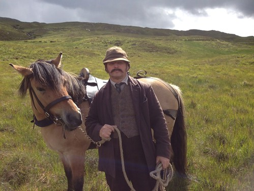 John P with highland hoirse in Downton Abbey Christmas day show shot at Inveraray Castle