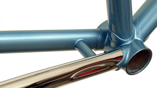 <p>Waterford 22-Series Artisan desing with stainless chainstay in English Blue Metallic. 64237<br/></p>