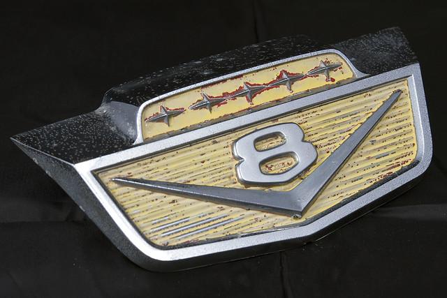 ford truck emblem logo pickup f100 1966 66 ornament cylinder medallion hood eight v8 65 1965 f350 f700 f250 f600 b500 f500 b600 b700