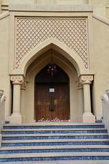 The Gate (Aisha Altamimy) Tags: wood history gate dubai uae daytime dxb دبي الامارات فندق pinkocean تراث بوابة dubaimall thedubaimall دبيمول