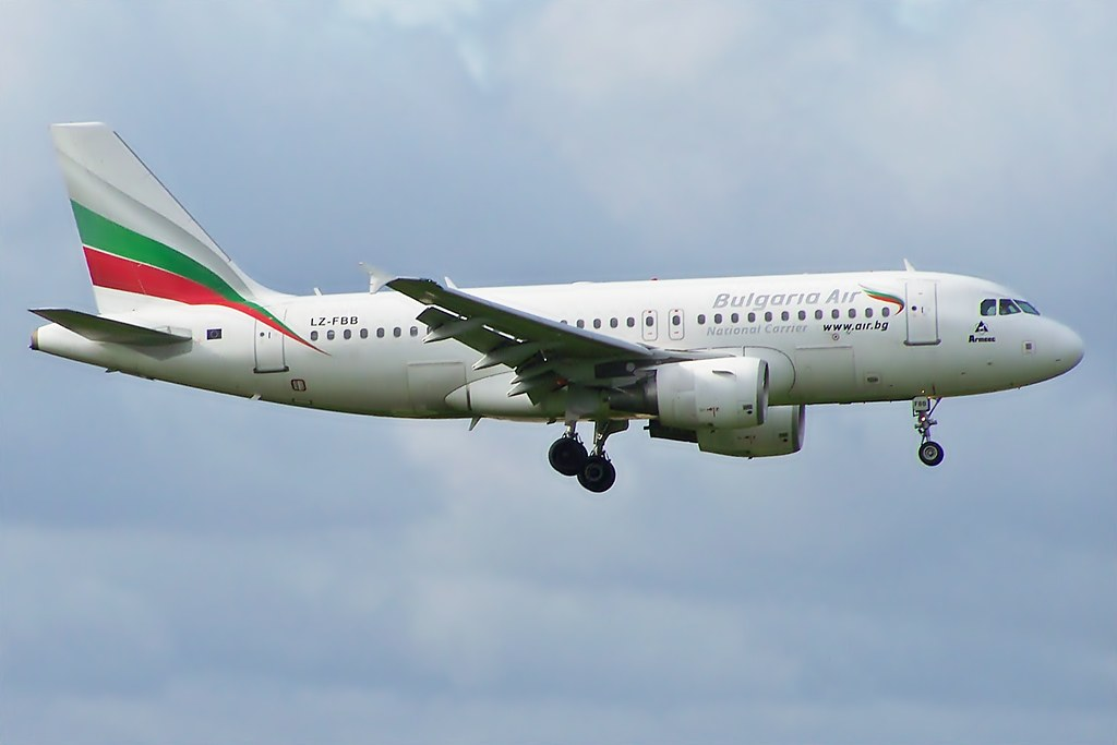 LZ-FBB A319 Bulgaria Air by markyharky, on Flickr