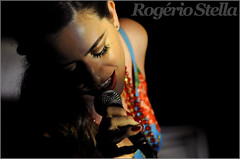 Luzia Dvorek (Rogerio Stella) Tags: show stella music color colour portraits banda photography photo concert nikon samba photographer tour song retrato live stage gig performance band bands rogerio portraiture sing idol singer instrument mpb fotografia documentation venue instruments projeto msica nacional cor canto 2012 luzia palco fotojornalismo dolo cantora apresentao casulo documentao dvorek documentarist