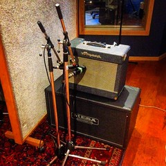 Double Mic (Pennan_Brae) Tags: amplifier amp musicstudio recordingstudio recording amps amplifiers guitaramplifier music