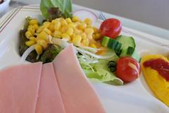 breakfast salad (HAMACHI!) Tags: 2016 japan fujiflm x70 food foodporn macro salad ham egg cone tomato