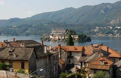 Lac d'Orta et l'le San Giulio (IT) (TICHAT10) Tags: italie ilesangiulio lacdorta orta eau lacs pimont
