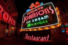 Remember eating at Howard Johnson's? (sniggie) Tags: howardjohnsons icecream 28flavors americansignmuseum neonsignage signs neon restaurant franchise