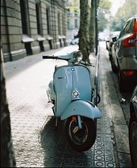 Barcelona (loklokloklok) Tags: barcelona plaubel makina67