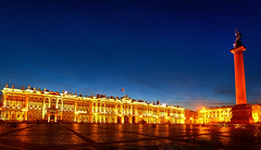 La Plaza del Palacio con el Hermitage de fondo, San Petersburgo | Rusia (Pola Damonte) Tags: plaza trip travel white st night del canon stpetersburg landscapes photo high rojo san dynamic russia pablo sigma petersburg paisaje peter viajes cruz nights column museo alexander hermitage 1020mm russian alejandro range blancas winterpalace hdr pola noches petersburgo palacio rusia columna spb ruso sigma1020mm sanktpeterburg  petesburgo granito   ermitazh dvortsovayaploshchad  f456 damonte sigma1020mmf456exdc sigmalenses    palaciodeinvierno kolonna plazadelpalacio  aleksandrovskaya