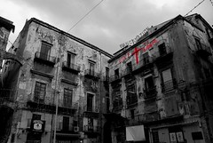 _DSC0140 (Stefanos Antoniadis) Tags: city urban italy building architecture italia sicily urbano palermo architettura sicilia decadence citt edifici