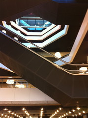 et c'est immense (nombreuses fermetures de bib de quatier prvues...) (charlotte henard) Tags: rotterdam library libraries bibliothque bibliotheek bibliotheque mediatheque bibliothques bibliotourisme bibliotourismepaysbas