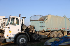 WhiteGMC WX / Rapid Rail (Scott (tm242)) Tags: trash truck garbage arm side rail systems valley government refuse recycle loader recycling rapid inc bakersfield automated asl gripper innovators xpeditor