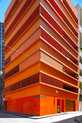 orange wedge (ghee) Tags: orange color colour building architecture modern canon concrete apartments exterior contemporary sydney australia 150 nsw 5d apartmentbuilding liverpoolstreet darlinghurst ghee gwp eastsydney ianmoorearchitects guywilkinsonphotography 150apartmentbuilding