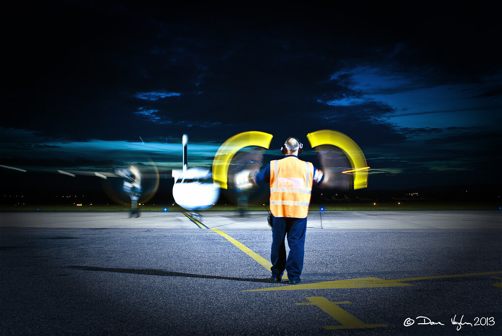 how to become an aircraft marshaller