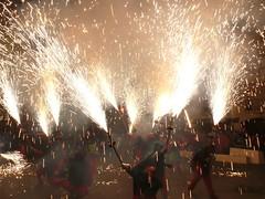 Fireworks , Diables (37) (calafellvalo) Tags: noche fireworks calafell fuegosartificiales nit plvora traca diables masclet calafellvalo castelldefoc diablesdecalafell guaitels festamajordecalafell diablesfireworksfuegosartificialescalafellcalafellvalo