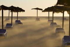 Gale Wind (jaocana76) Tags: strog levante viento wind estrechodegibraltar straitsofgibraltar atlanterra sombrillas hamacas melia cadiz beach playa arena mar jaocana76 canon100400 canoneos7d hotel