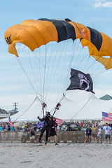 DSC_4521 (CEGPhotography) Tags: nikon cegphotography atlanticcity newjersey nj ac atlanticcityairshow 2016 thunderovertheboardwalk aviation flight sky usarmygoldenknights goldenknights parachutedemotemo parachute