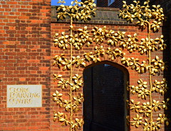 Ornate doorway at Hampton Court Palace, London (Tony Worrall) Tags: england london city capital uk update place location south southern visit area county attraction open stream tour country tourist southeast english greatbritain hamptoncourt palace ornate historic