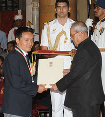 Rajiv Gandhi Khel Ratna Award to Shri Jitu Rai for Shooting (legend_news) Tags: rajiv gandhi khel ratna award shri jitu rai for shooting