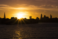 Sun Spot... (JH Images.co.uk) Tags: london sunset night water clouds golden hour canary wharf river thames