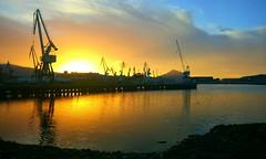 Colores del Nervion (carlosolmedillas) Tags: nervin atardecer sunset industria puerto port agua ria bilbao bizkaia vizcaya espaa euskadi spain europe