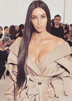 Kim Kardashian é assaltada a mão armada em Paris